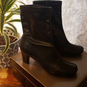 Kim Roger's Dark Brown Ankle Boots 7M